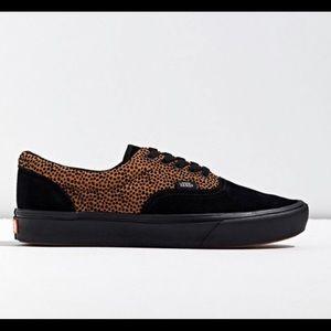 Vans era tiny cheetah comfycush sneaker m 9/ w 10